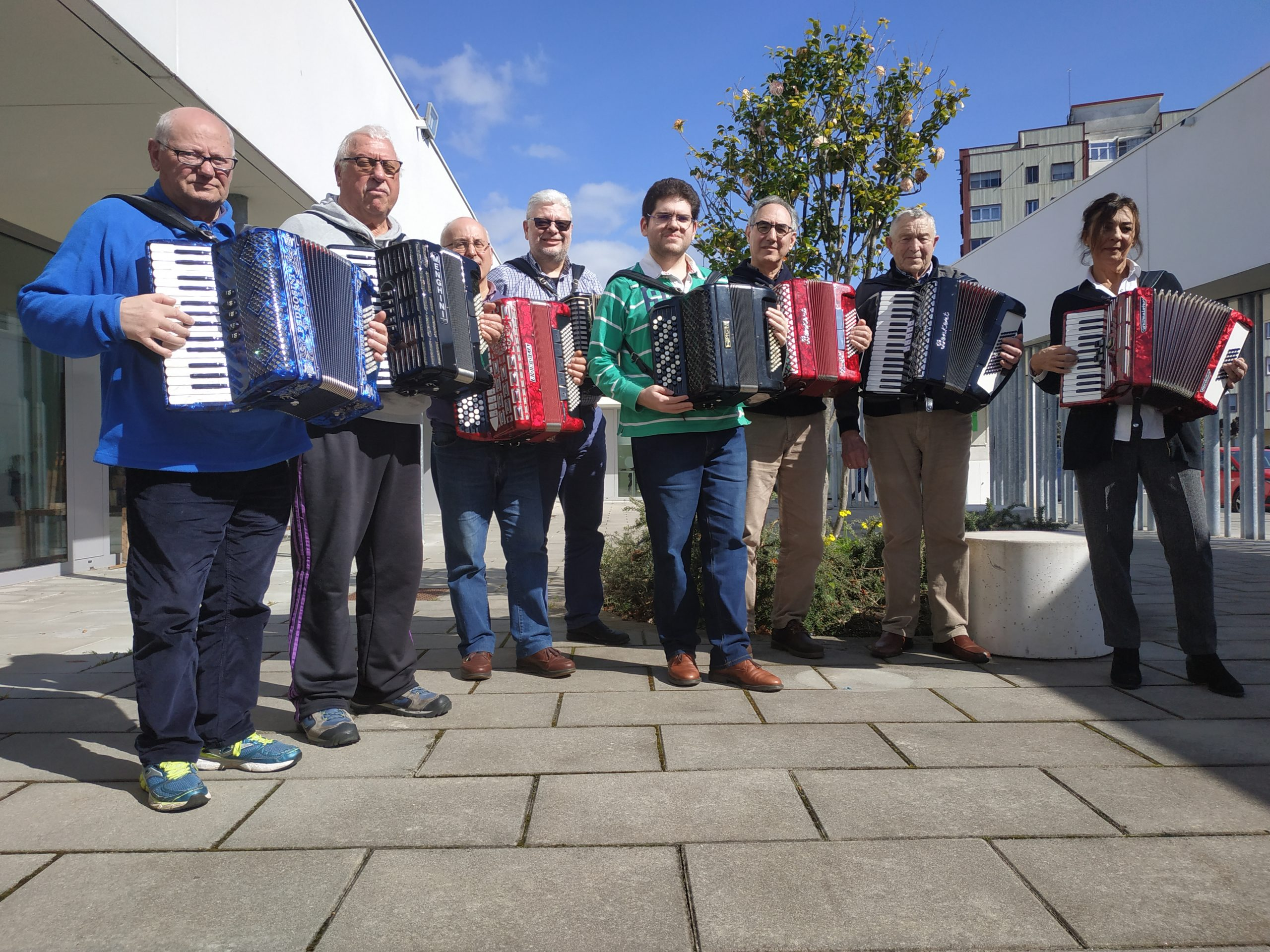 A Asociación de acordeonistas de Ferrol súmase mañá á iniciativa#maiosnaxanela